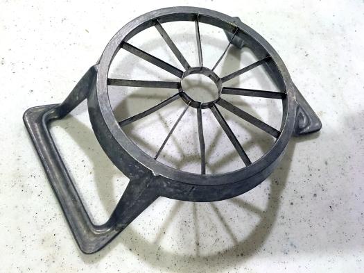Aluminum apple corer slicer